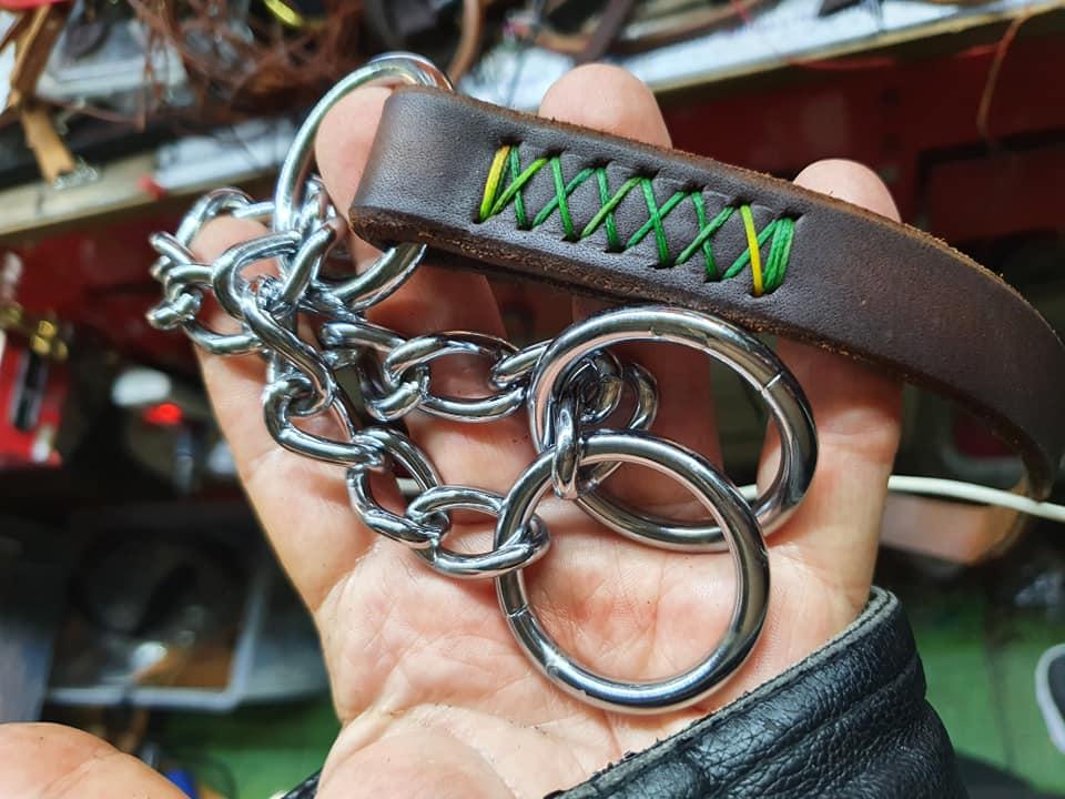 Collare a semistrangolo in cuoio cucito a mano per cani eurodog fatto in italia